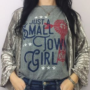 {graphic tee} 'just a small town girl' heathered